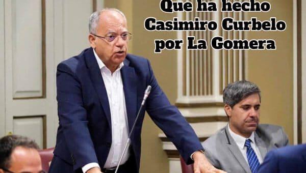 Casimiro-Curbelo-de-pie-hablando-en-una-asamblea
